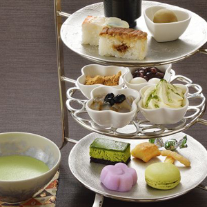 お寿司や和菓子が一度に楽しめる贅沢な午後 和のアフタヌーンティ